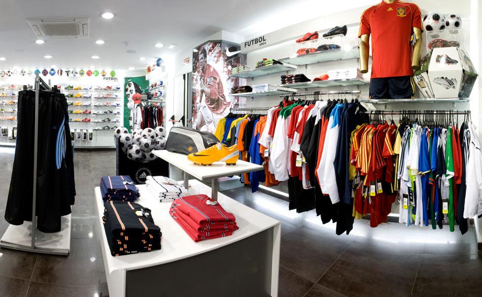 Tiendas de deportes dise o de mobiliario y decoraci n for Decoracion deportiva
