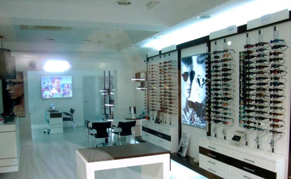Muebles Expositores : Interiorismo Ópticas decoración y diseños para ópticas
