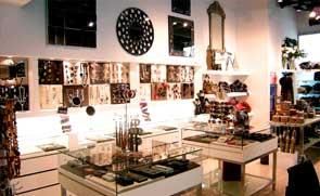 Diseños de mobiliario y decoraciones realizadas en tiendas de regalos