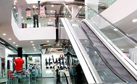Diseño interior en espacios comerciales de venta de ropa
