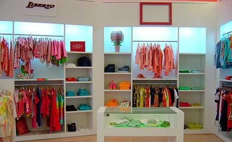 Diseño interior en tienda ropa femenina